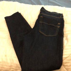 Dark washed jeans, skinny